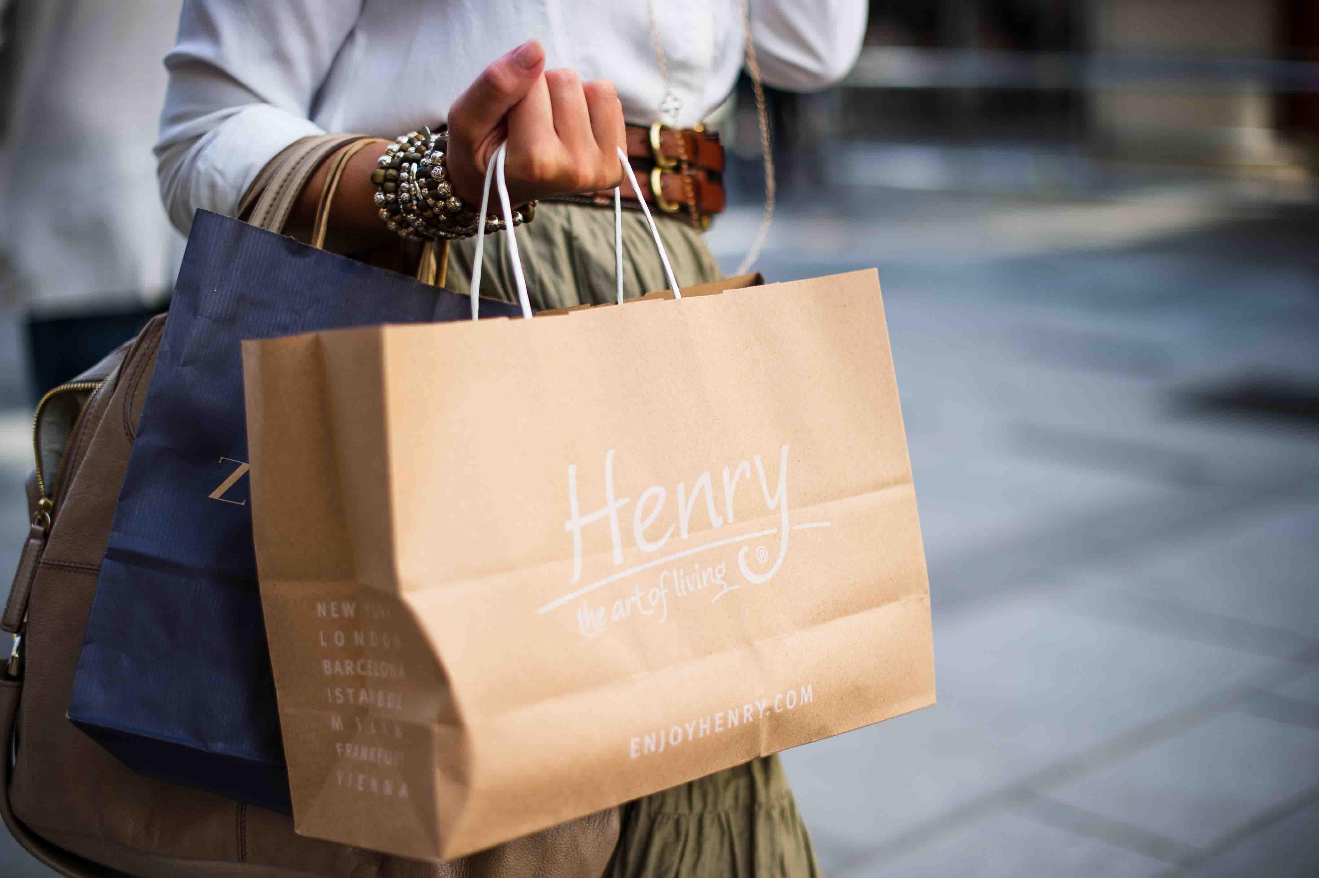 ショッピングバッグ、重い荷物